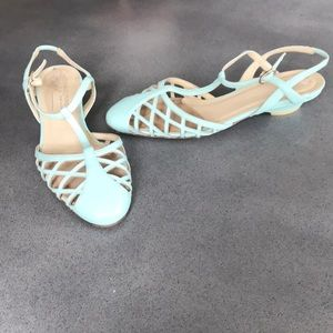 Donald J Pliner cout out leather kitten heel shoes